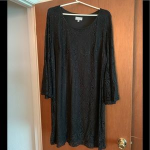 Plus Size Black Lace Bell Sleeve Dress